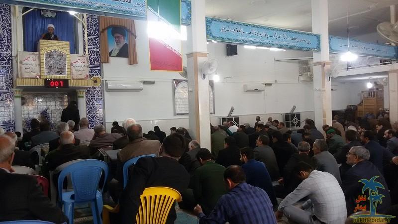 خطیب نماز جمعه فراشبند: حضور تماشایى مردم در راهپیمایى ۲۲ بهمن؛ جلوهاى دیگر از شكستهاى ۴۰ ساله آمریكا