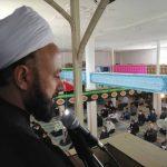 خطیب نماز جمعه فراشبند: باید قلم های روزنامه هایی که پازل دشمن را در داخل تکمیل میکنند را شکست و دستانشان را قطع کرد
